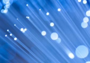 """Gratis glasvezelverbindingen voor Münster - Dankzij een federale subsidie kunnen bedrijven uit Münster nu gratis een glasvezelaansluiting aanvragen. In de komende twee jaar worden alle industriegebieden in de stad Münster namens Stadt Münster op het glasvezelnetwerk aangesloten. Münster wordt nog meer een """"GigabitCity"""", wat interessante nieuwe mogelijkheden biedt voor tal van bedrijven. Snelle digitale infrastructuur wint snel aan belang als […]"""